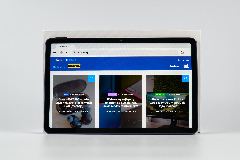 Huawei MatePad 10 z włączoną stroną tabletowo.pl