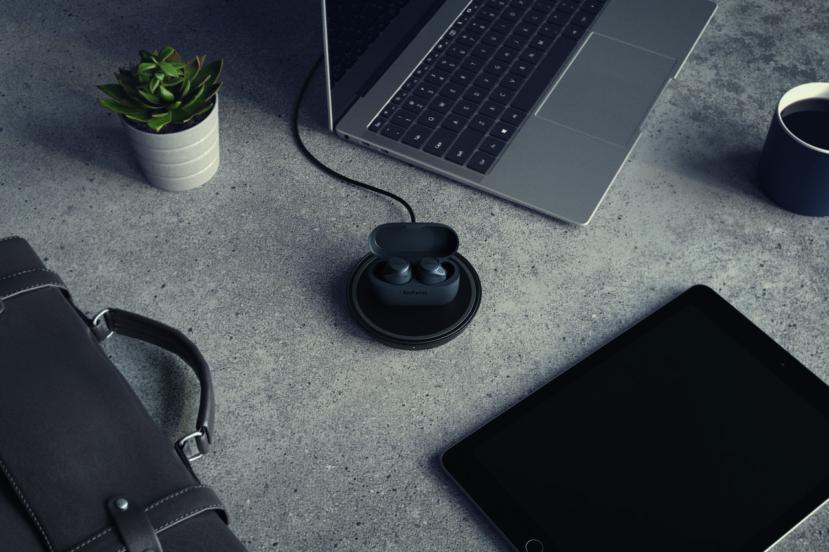 Można już kupować słuchawki Jabra Elite 75t z funkcją ładowania bezprzewodowego 20