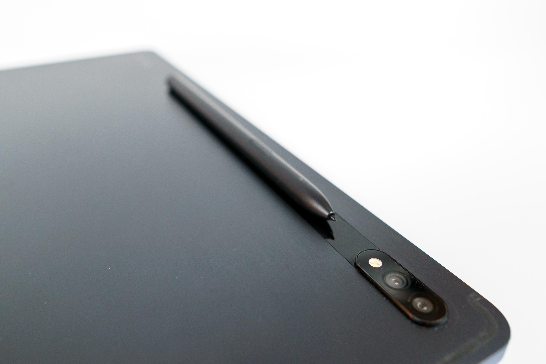 Samsung Galaxy Tab S7+ aparat i piórko