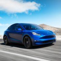 Tesla Model Y w tańszej wersji przekaże moc tylko na tylne koła 22