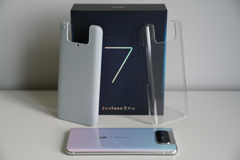Asus Zenfone 7 Pro z dwoma etui