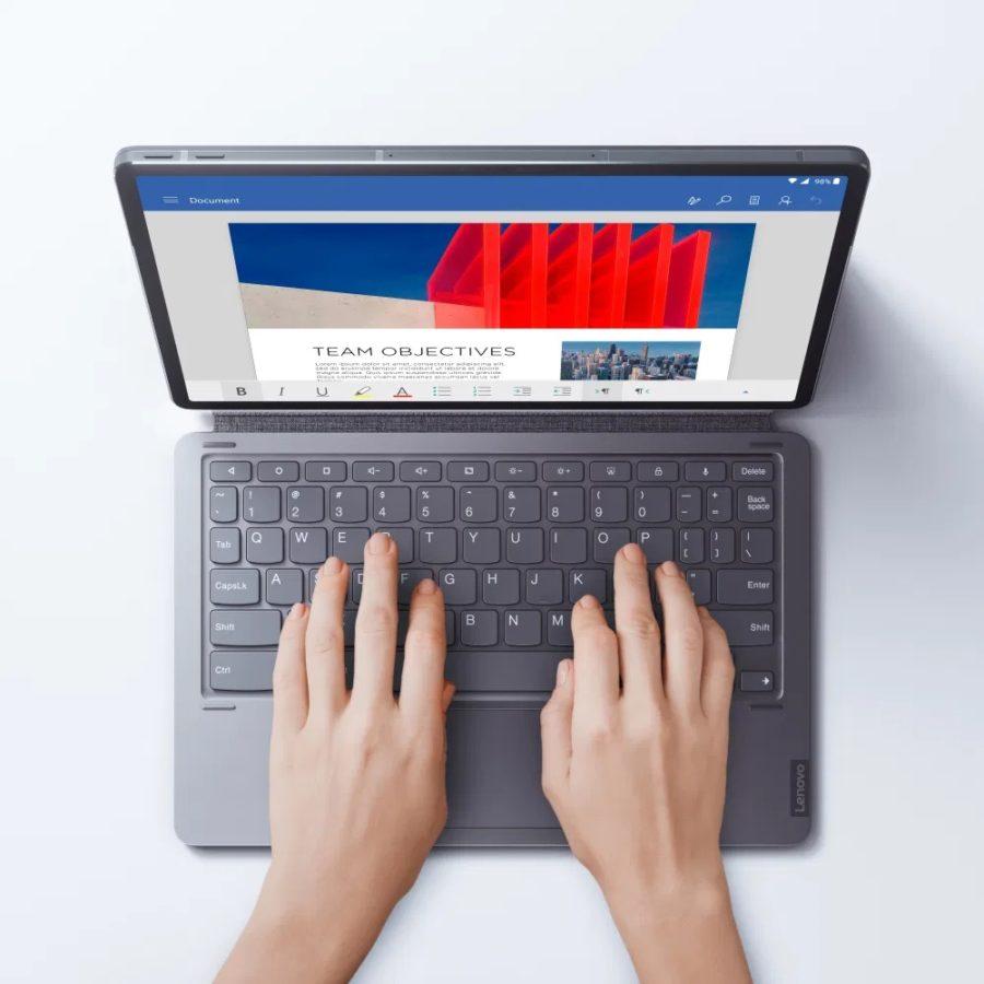 Wygląda jak iPad, a to przecież nowy tablet Lenovo Tab P11 Pro 24 tablet