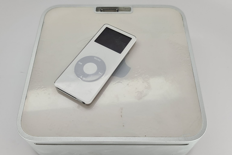Mac mini wraz ze stacją dokująca dla iPoda. Tego jeszcze nie widzieliście