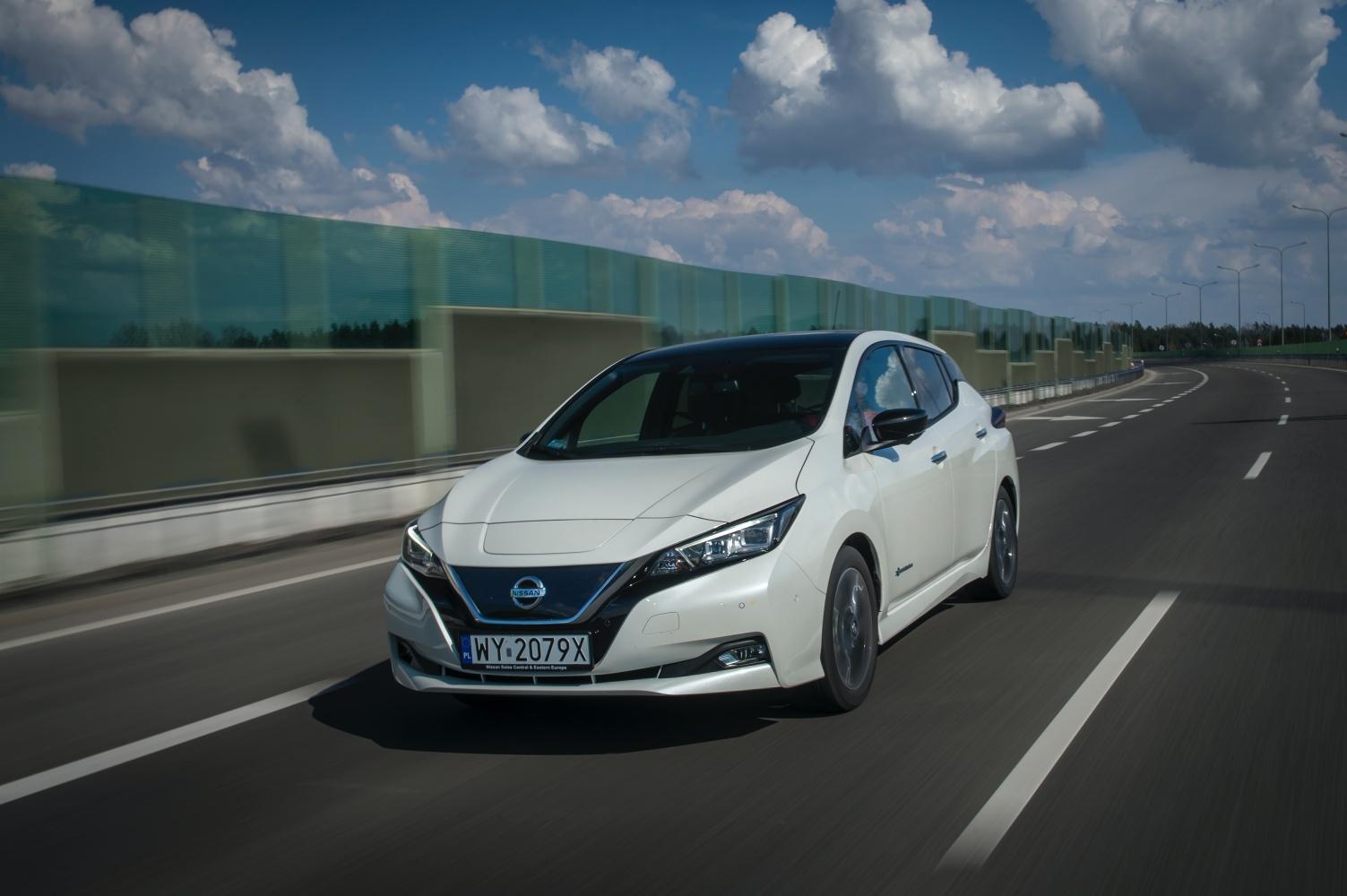 Nissa LEAF –  samochód elektryczny.