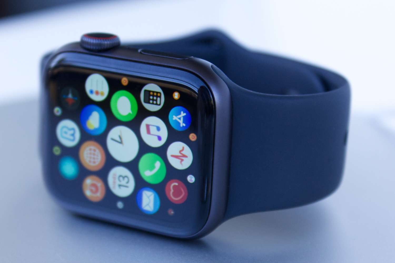 watchOS 7.0.2 do pobrania. Aktualizacja usuwa problem z akumulatorem 19 watchOS 7.0.2