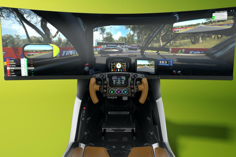 Aston Martin pokazał symulator wyścigów w cenie używanego Vantage 19 Aston Martin