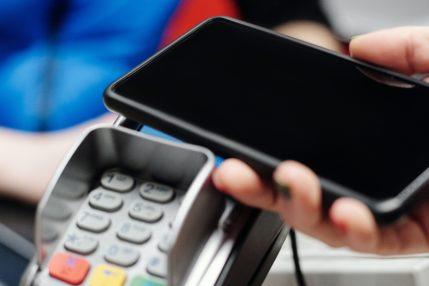 Rynek płatności mobilnych w Polsce pęcznieje w oczach - to już 3,3 miliona klientów!