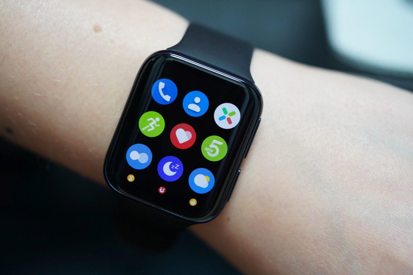 Oppo Watch - recenzja fajnego smartwatcha, którym można płacić