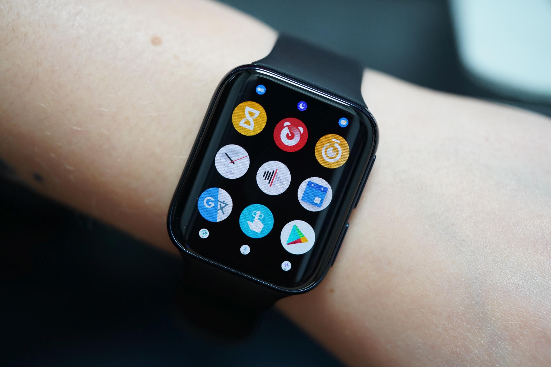 Masz iPhone'a? Może zamiast Apple Watcha kupisz Oppo Watcha? Teraz warto