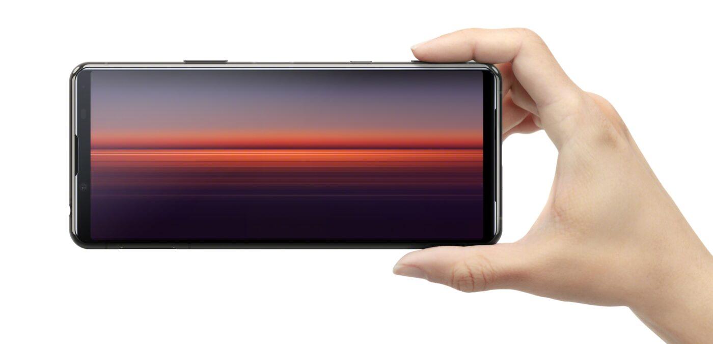"""Sony Xperia 5 II - trochę jak """"jedynka"""", ale z mniejszym ekranem o wyższym odświeżaniu"""