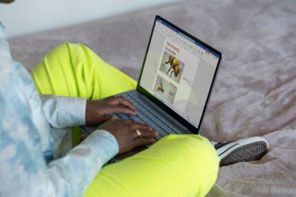 Najtańszy notebook Microsoftu już w Polsce. Znamy ceny Surface Laptop Go