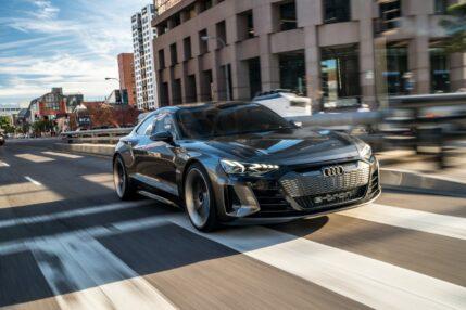 Audi e-tron GT w topowej wersji zaoferuje imponujące 700 KM 18 Audi e-tron GT