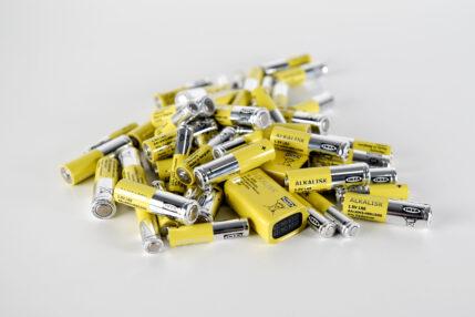 Ekologiczna decyzja. Ikea w ciągu roku pozbędzie się z oferty baterii alkalicznych