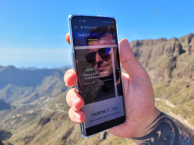 Oppo Reno 5, podobnie jak Oppo Reno 4 Pro 5G, będzie miał ekran z otworem