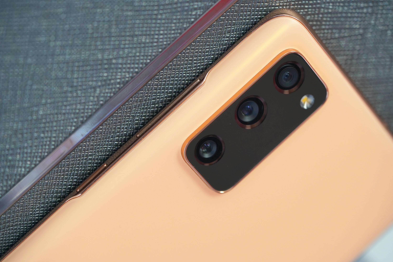 Samsung Galaxy S20 FE 5G - najbardziej opłacalny przedstawiciel serii? (recenzja)