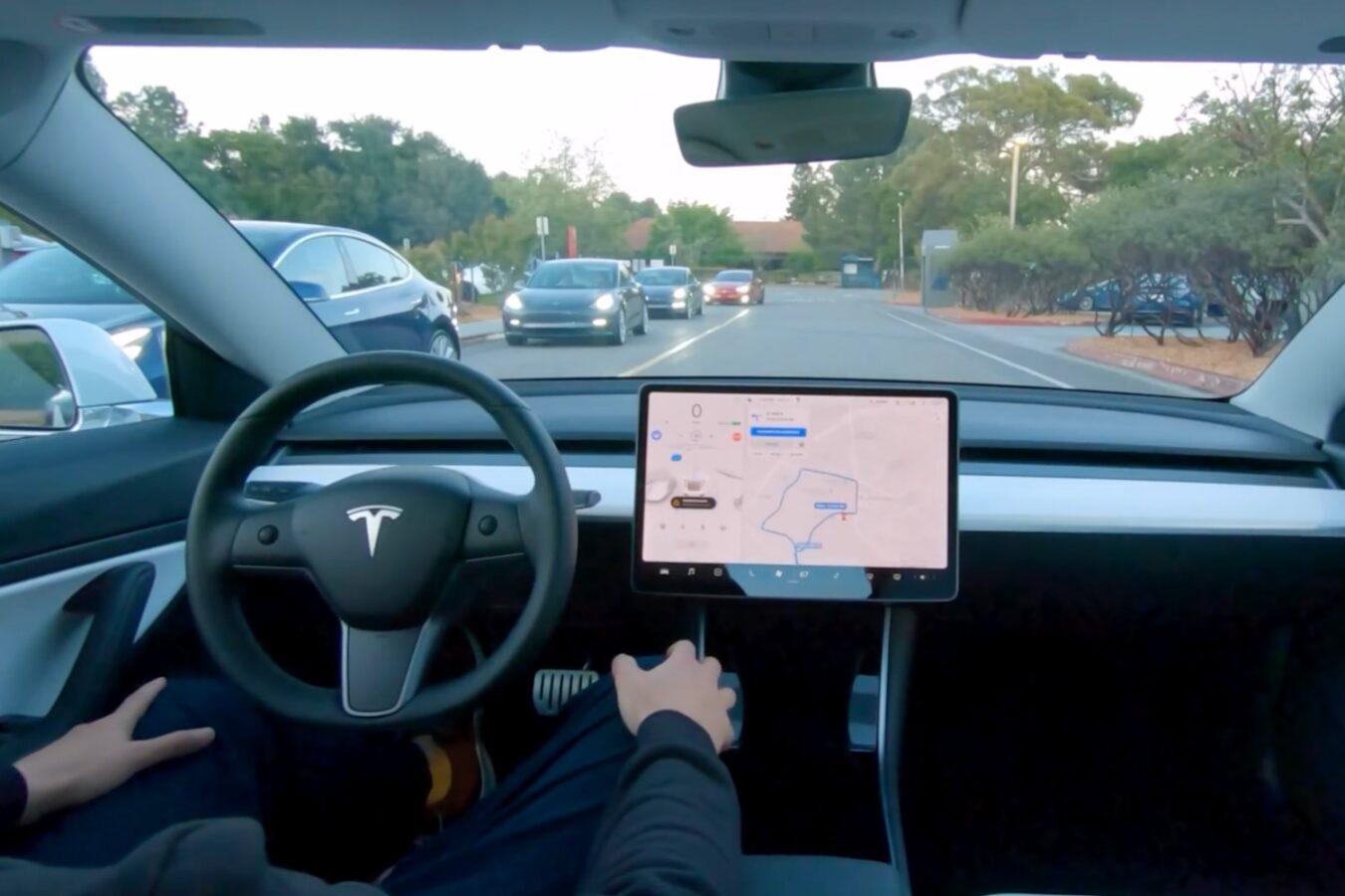 samochody autonomiczne tesla