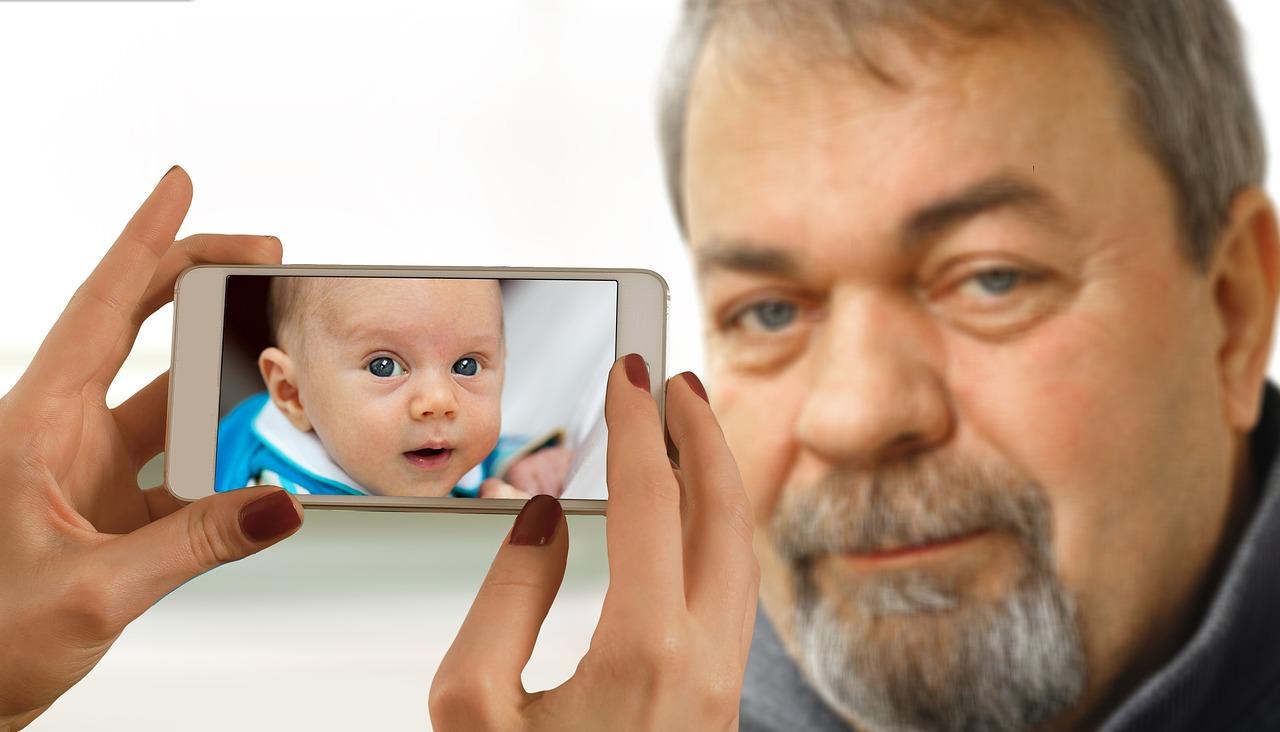 Nawet 9 lat życia spędzonego na patrzenie się w ekran smartfona?