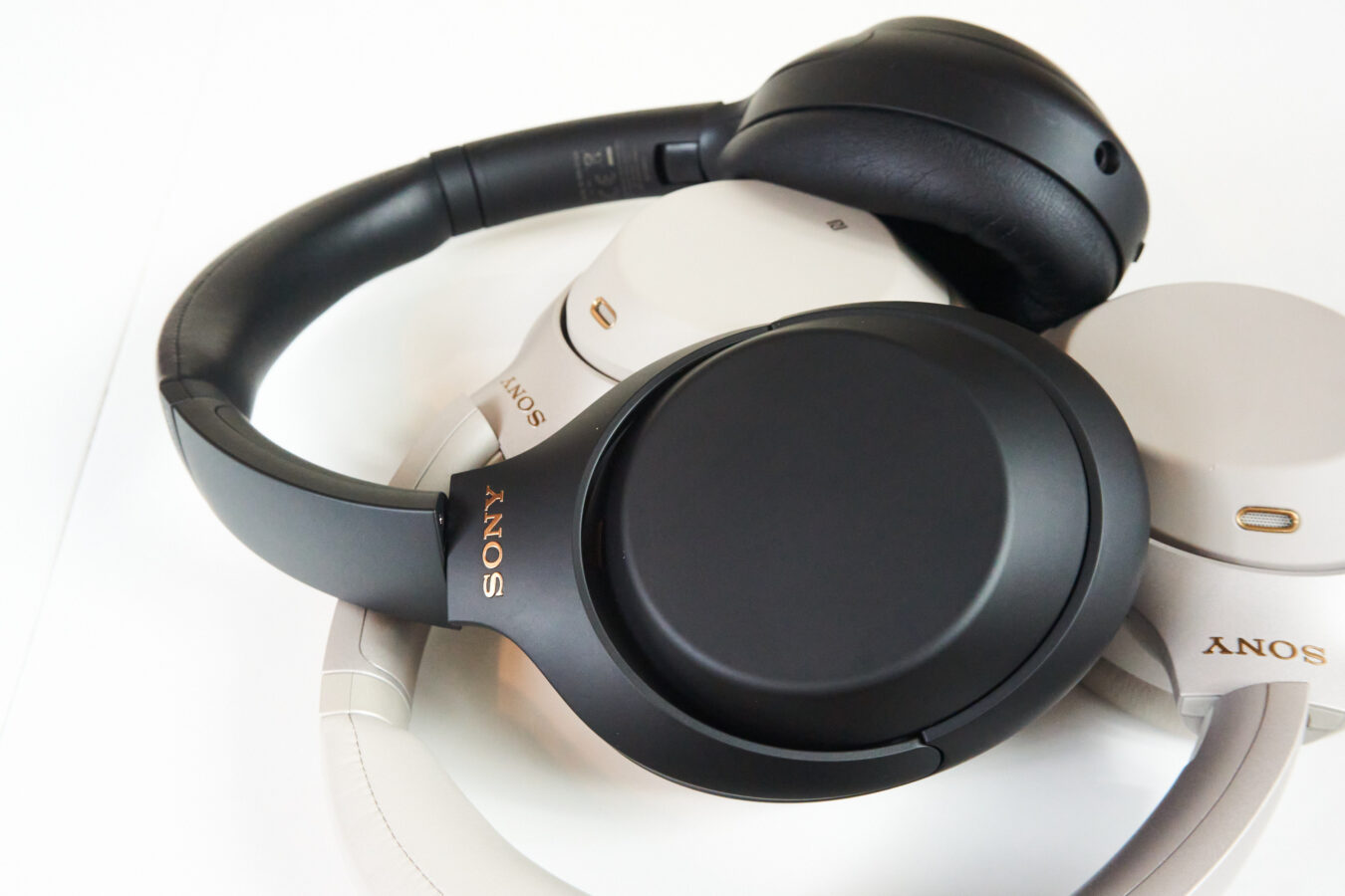 Sony WH-1000XM4 fot. Tabletowo.pl