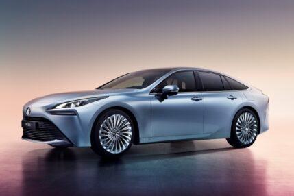 Nowa Toyota Mirai, czyli samochód elektryczny oczyszczający powietrze
