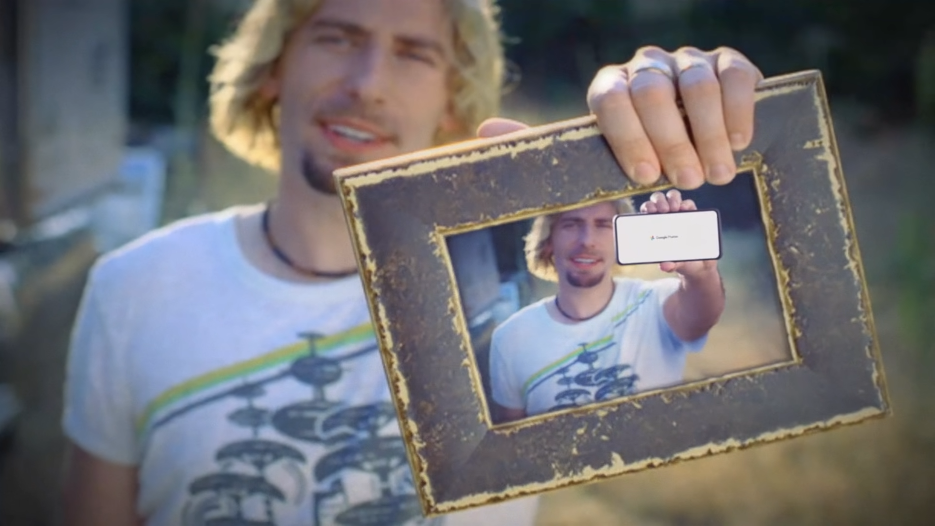 Reklama Google Photos z Nickelback