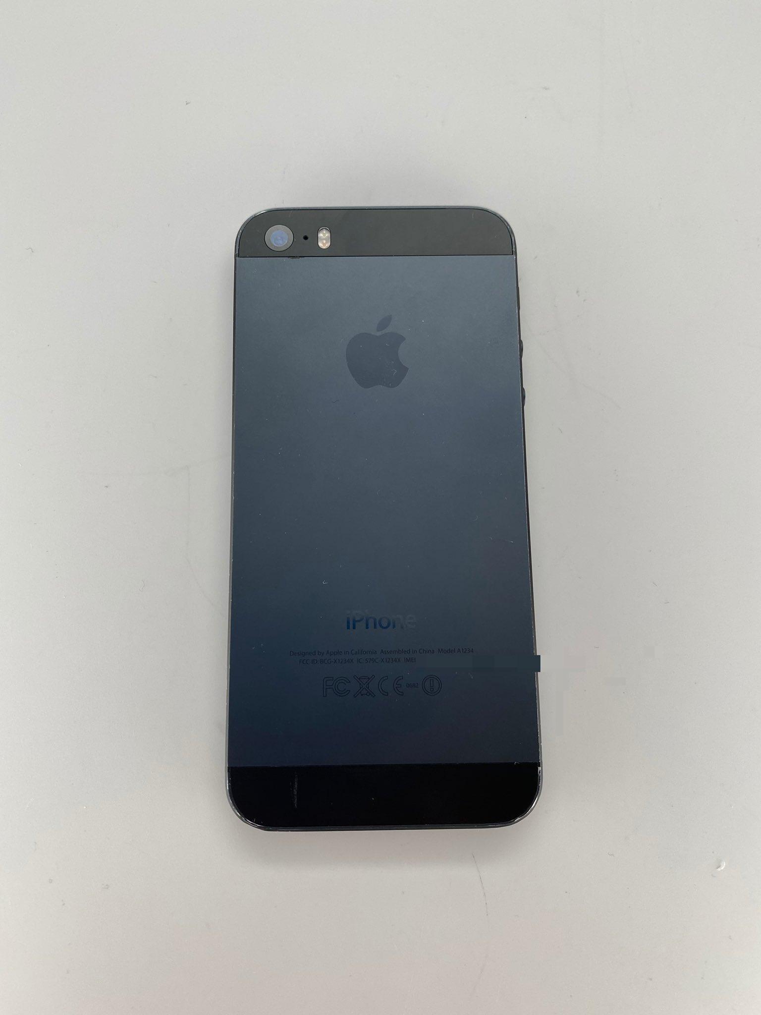 iPhone 5s w kolorze black and slate (źródło: Twitter @DongleBookPro)