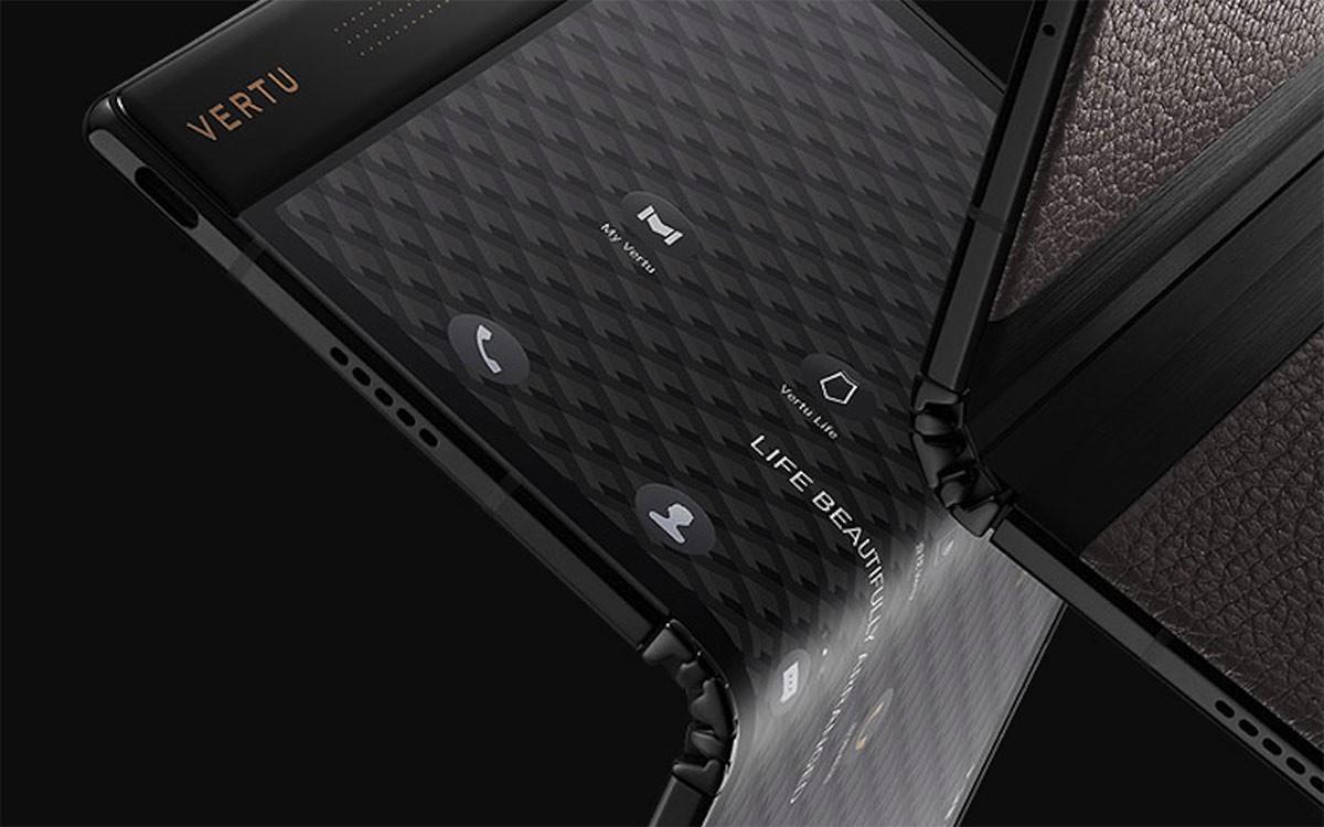 Vertu Ayxta Fold 5G – luksusowy i absurdalnie drogi składany smartfon