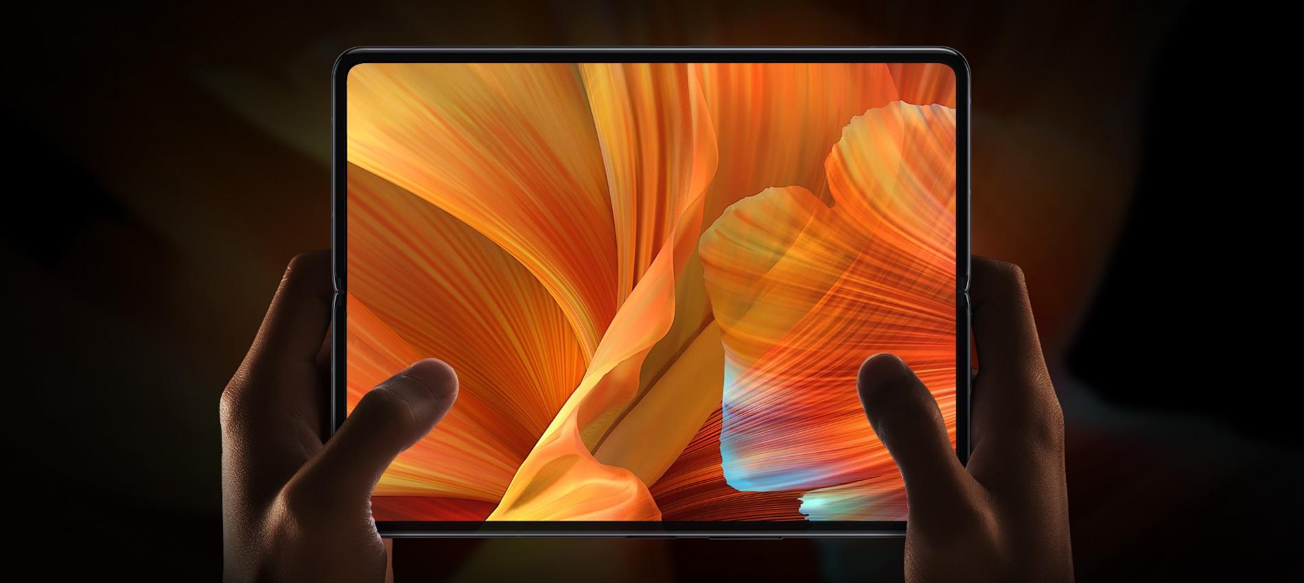 aparat pod ekranem w składanym smartfonie