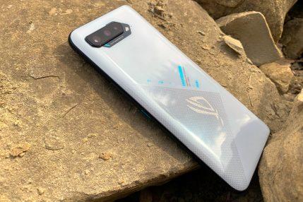 ASUS ROG Phone 5 fot. Tabletowo.pl