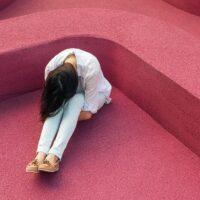 dziewczyna płacz smutek sad żal rozpacz cry