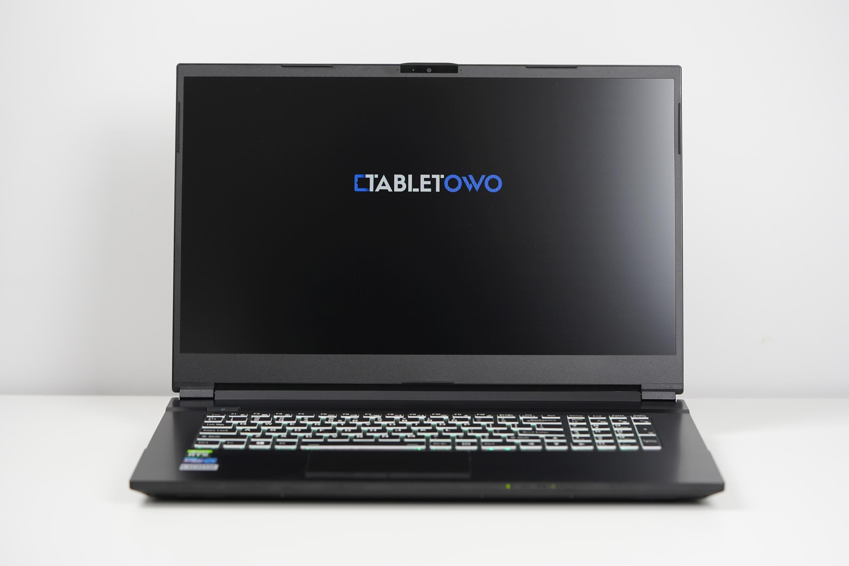 Zbudowaliśmy potwora! Oto spersonalizowany laptop Tabletowo – na bazie Hyperbook NH7