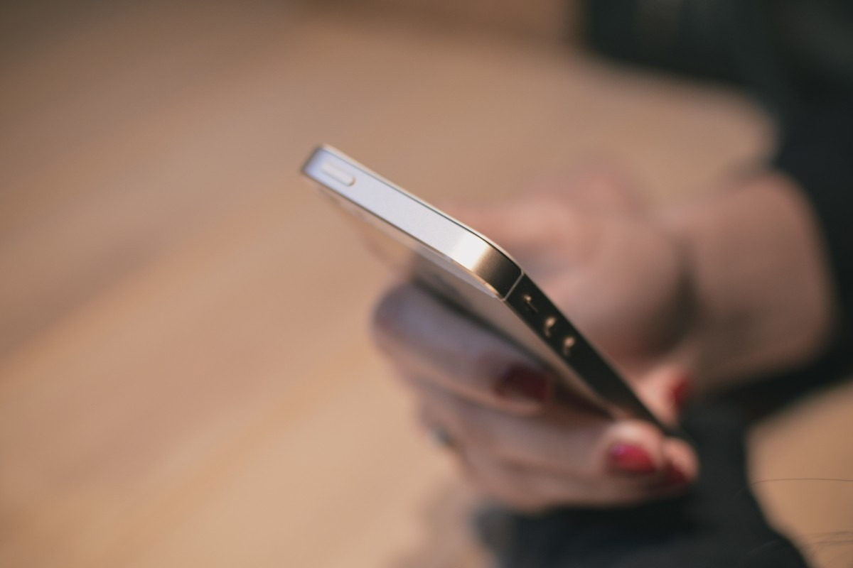 Jak zyskać 100, 300 albo 500 złotych zniżki na smartfon? Sprzedać stary w Orange