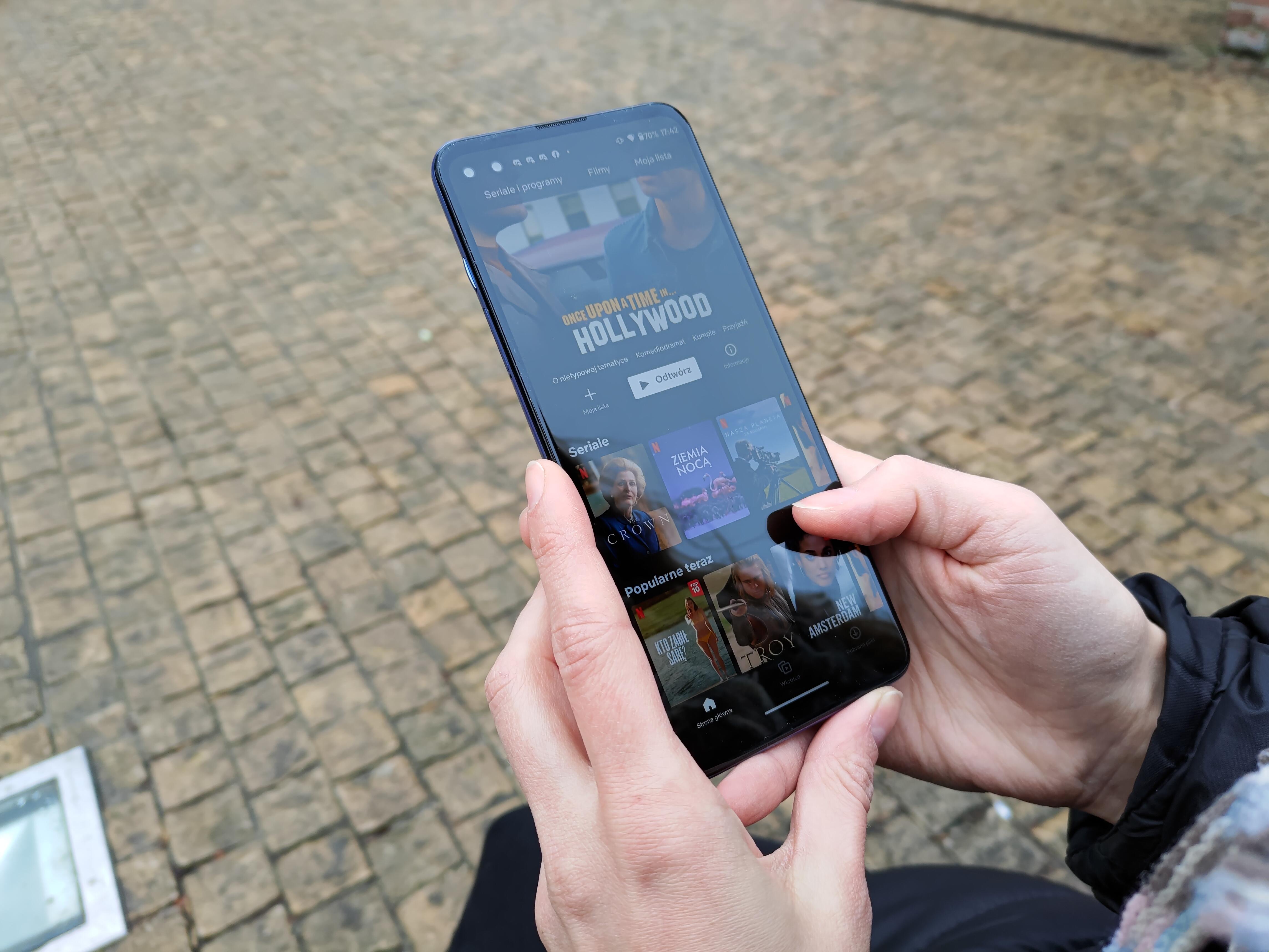 Recenzja Motorola Moto G100 - Ekran urządzenia - fot. Tabletowo.pl