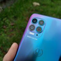 Recenzja Motorola Moto G100- Moduły aparatów - fot. Tabletowo.pl