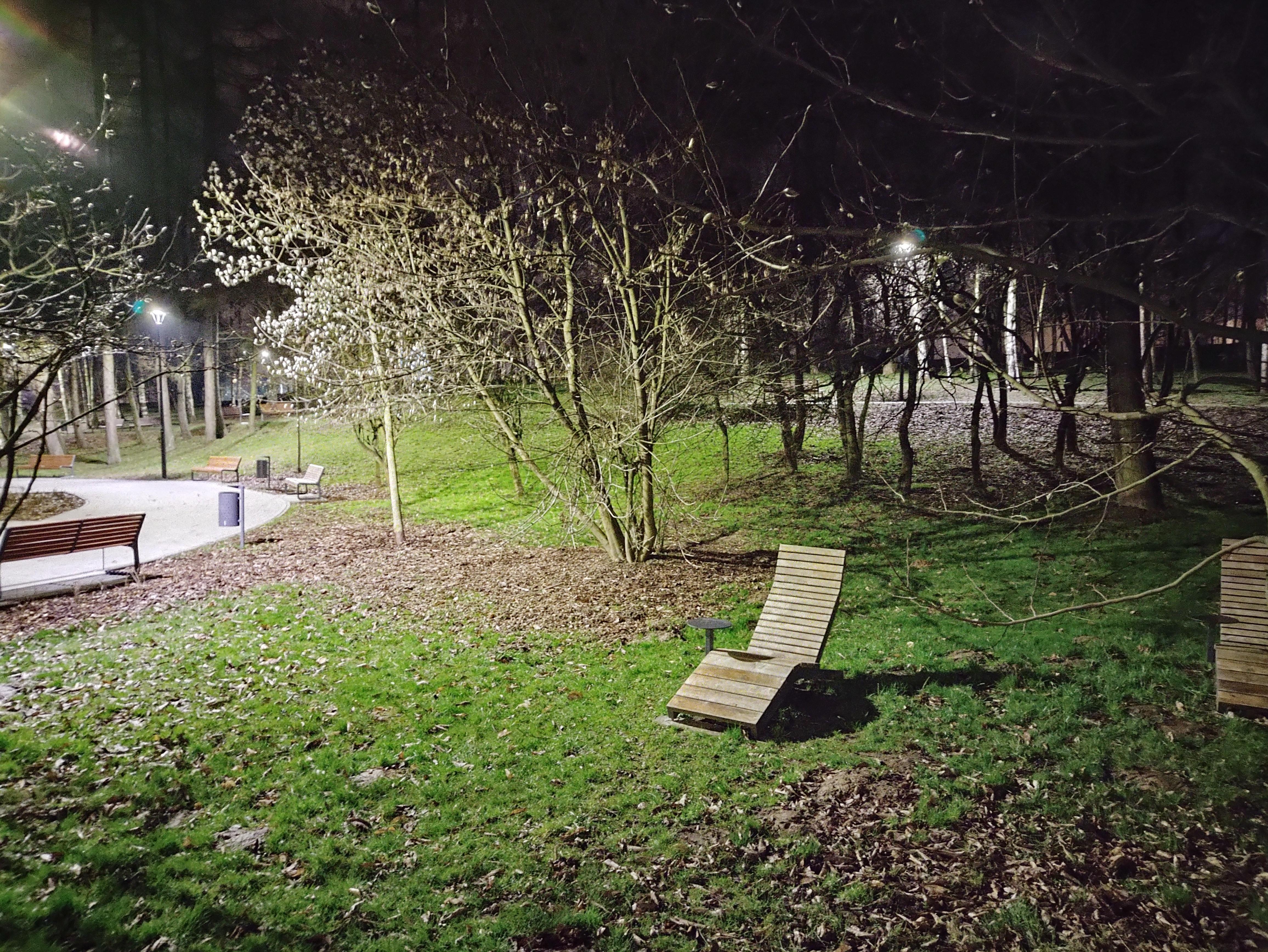Recenzja Motorola Moto G100 - Przykładowy Nocne - fot. Tabletowo.pl