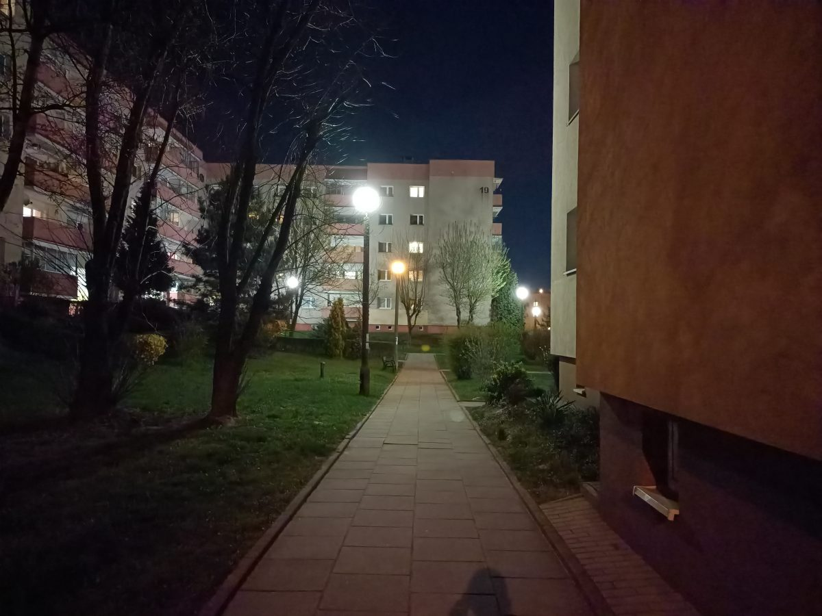 Recenzja Oppo Reno5 Lite - Fotografia nocna - fot. tabletowo.pl