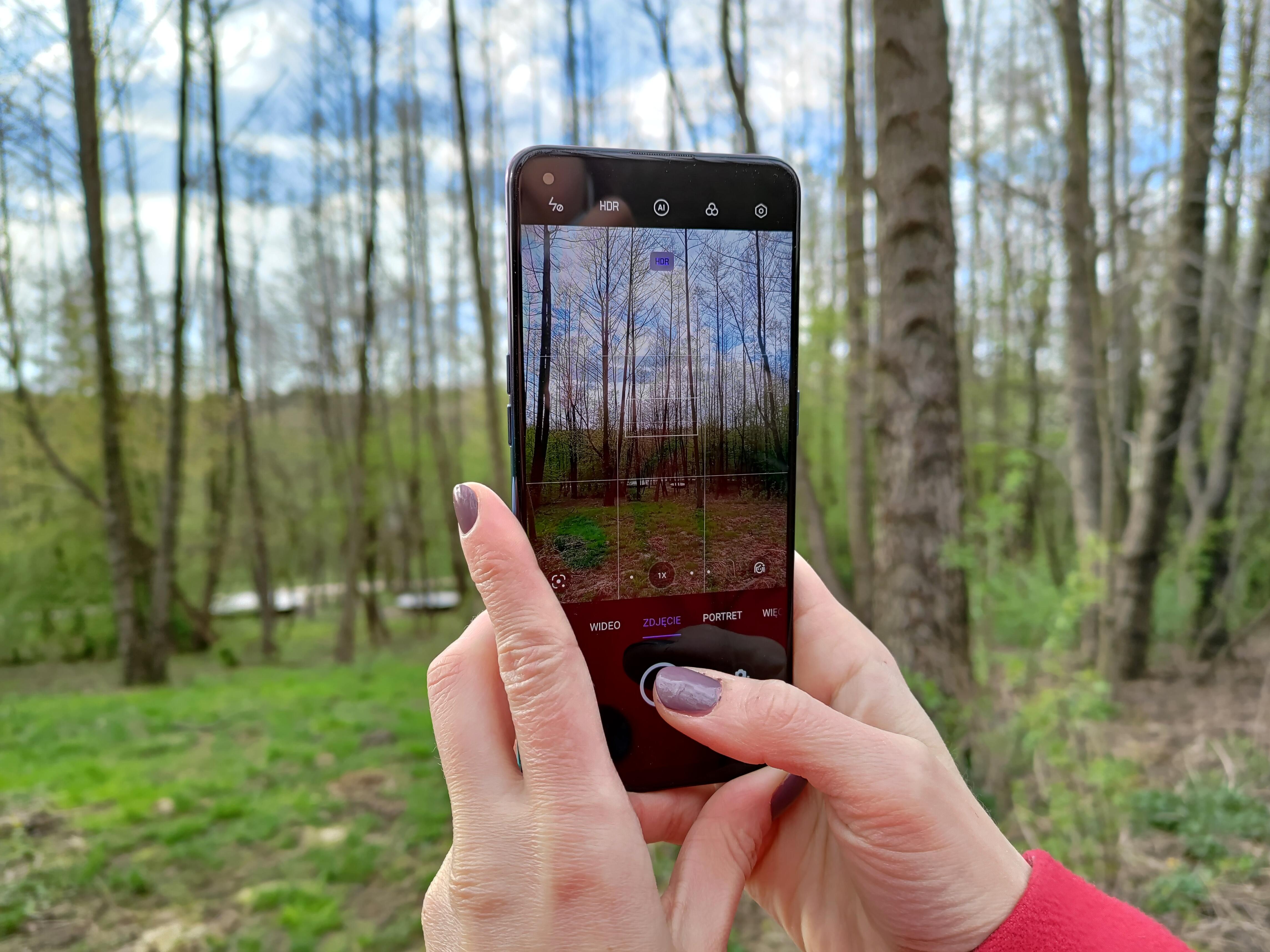 Recenzja Oppo Reno5 Lite - Ekran AMOLED, aplikacja aparatu - fot. tabletowo.pl