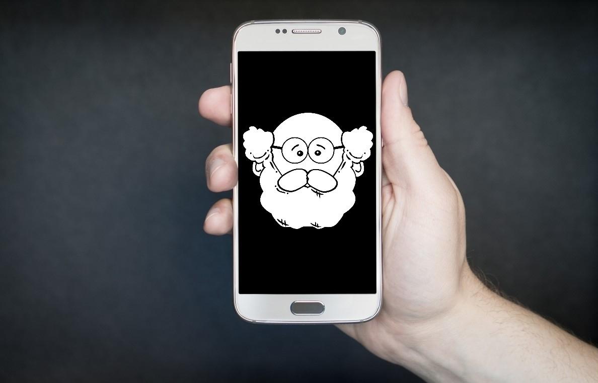 Ile lat na karku ma smartfon, z którego aktualnie korzystasz? Jest starszy niż Xiaomi Mi 2?