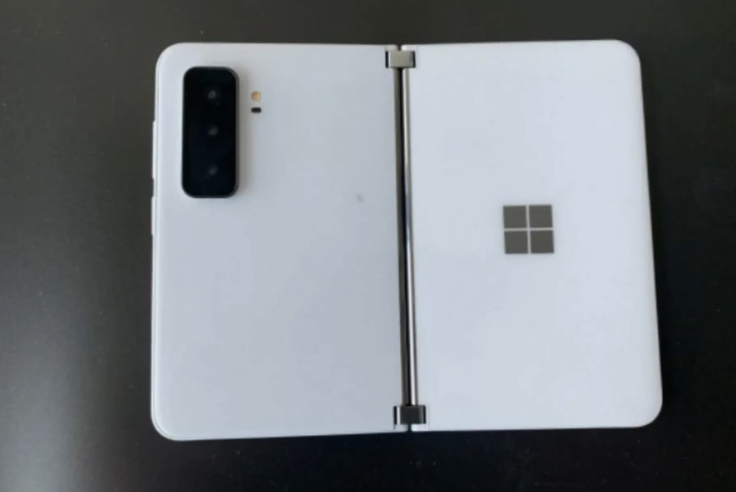 microsoft-surface-2-plecki-aparaty
