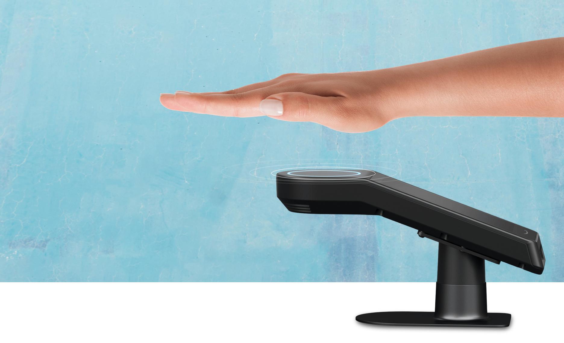 Amazon One obiecuje wygodne płatności dłonią. Pionierów kusi kartą podarunkową