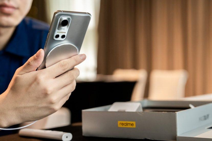 smartfon realme Flash smartphone