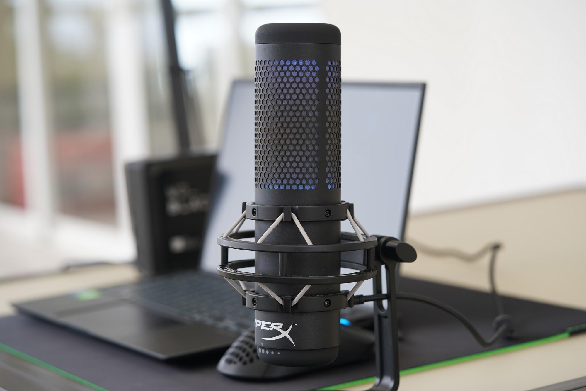Wielkie porównanie pojemnościowych mikrofonów - HyperX Quadcast S