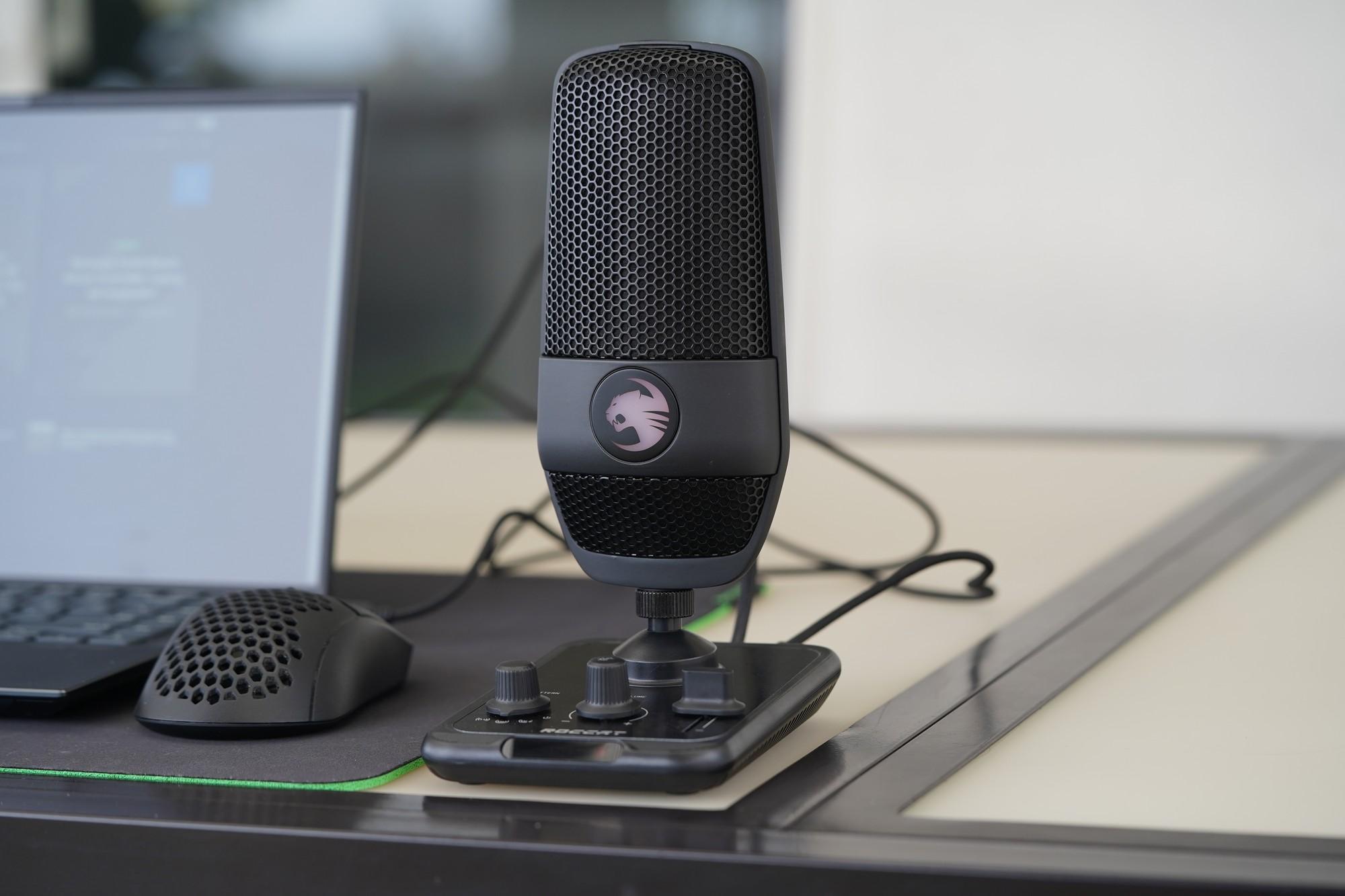Wielkie porównanie pojemnościowych mikrofonów - Roccat Torch