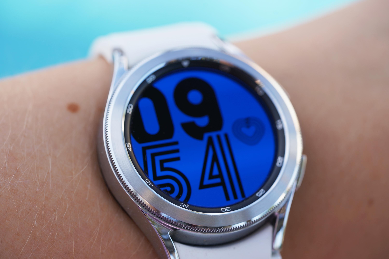 Nosisz zegarek Samsung Galaxy Watch? Możesz za darmo uruchomić dwa miesiące Strava Premium