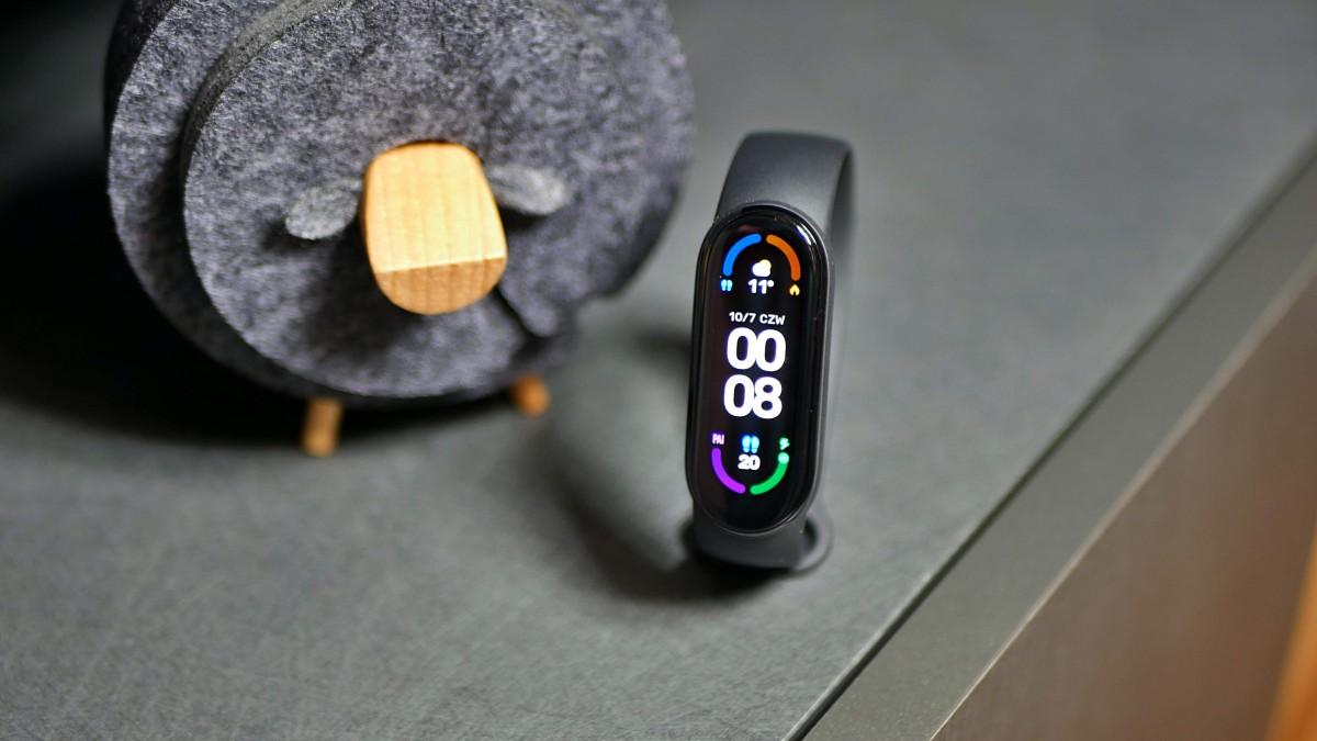 Xiaomi Mi Smart Band 6 NFC / fot. Kacper Żarski (Tabletowo.pl)